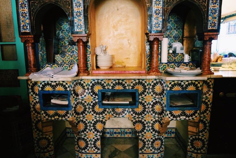 eine orientalische oase die moschee in paris. Black Bedroom Furniture Sets. Home Design Ideas